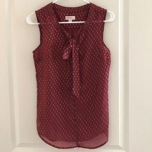 Burgundy sleeveless blouse with gold accents XS